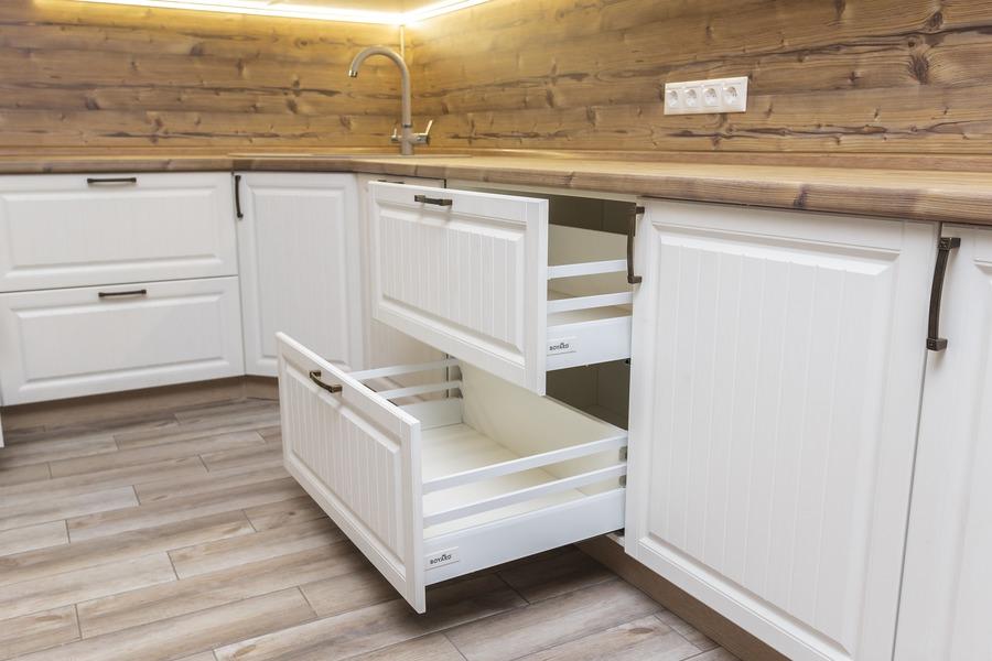 Белый кухонный гарнитур-Кухня МДФ в ПВХ «Модель 10»-фото7