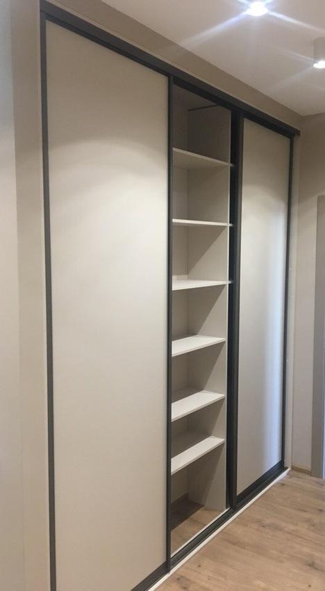 Встроенные шкафы-купе-Шкаф-купе из ДСП «Модель 238»-фото2