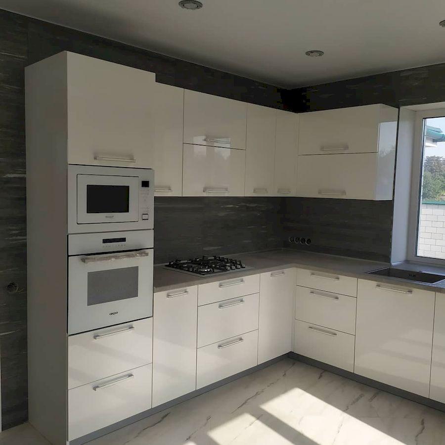 Белый кухонный гарнитур-Кухня МДФ в ПВХ «Модель 669»-фото3